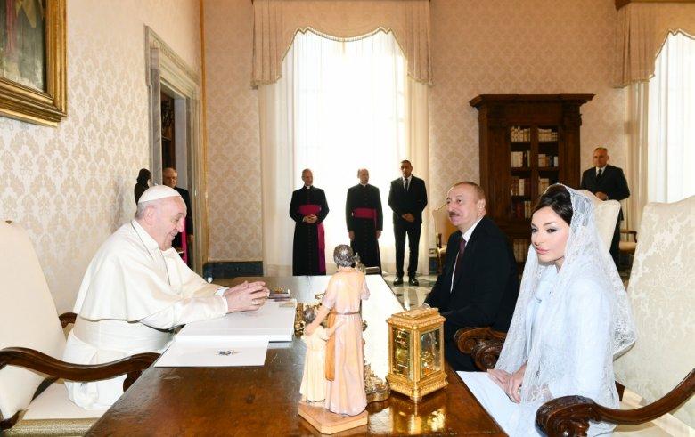 Prezident Müqəddəs Taxt-Tacın dövlət katibi ilə görüşdü - Mehriban Əliyevaya orden verildi
