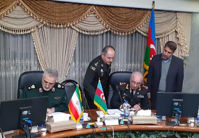 Azərbaycan və İran hərbçiləri arasında protokol imzalanıb