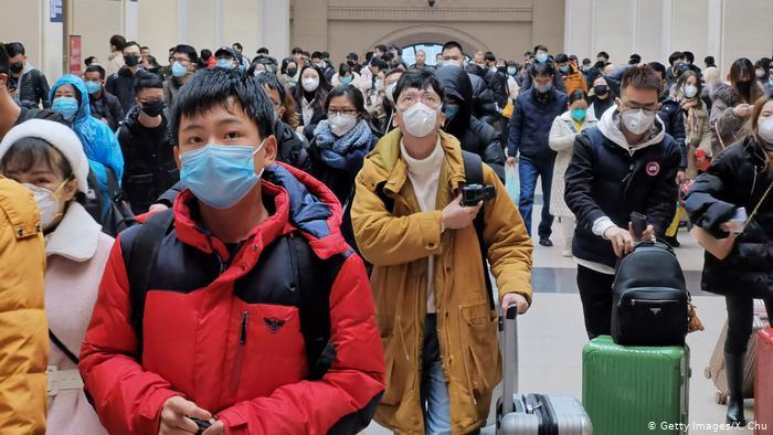 Çindən dəhşətli görüntülər: xəstələr sağlamları koronavirusa yoluxdurmağa çalışır - Video