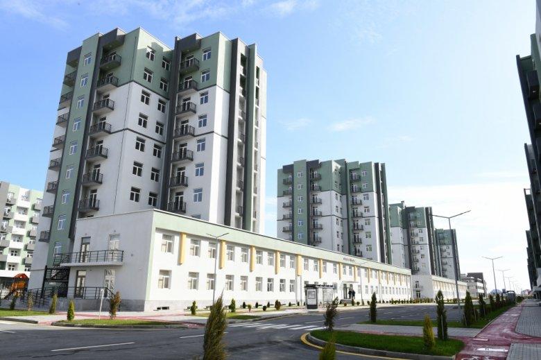 Prezident və Birinci vitse-prezident yaşayış kompleksinin açılışında iştirak ediblər