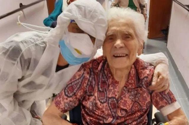 İtaliyada 104 yaşlı qoca iki ölümcül virusa qalib gəlib