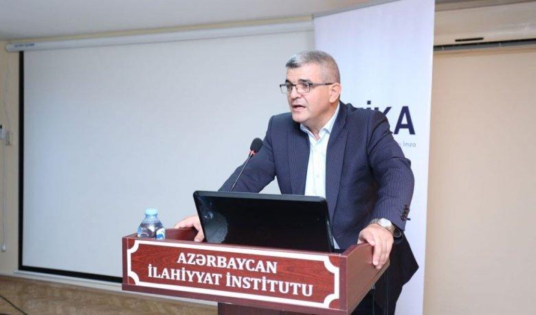 """Deputat: """"Azərbaycan ensiklopediyası bərbad vəziyyətdədir"""""""