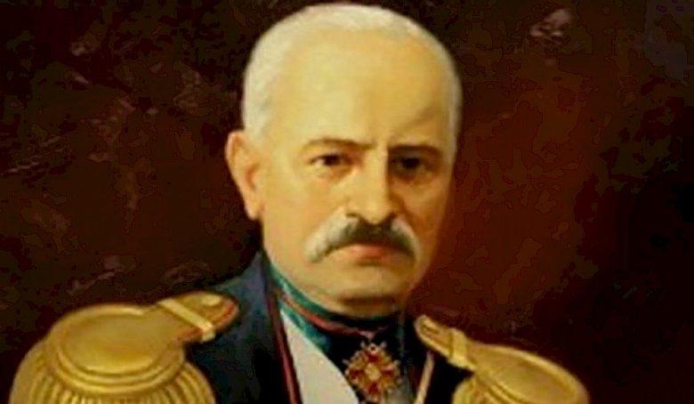 Mirzə Fətəli Axundov türkdür