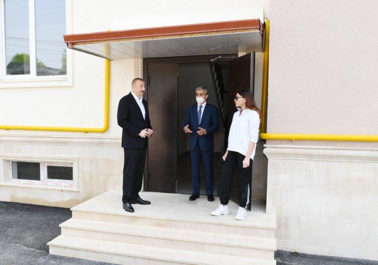 Prezident və Birinci xanım Şamaxıda xüsusi texnikalara baxış keçirdi, bağça açılışını etdi
