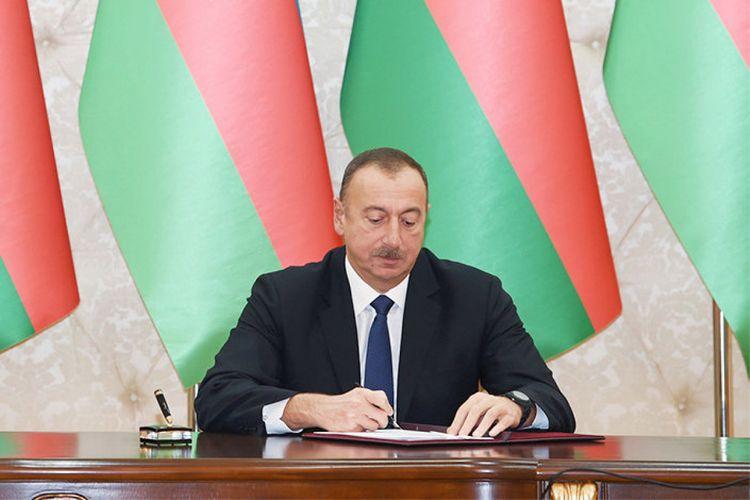 Prezident məhkəmə ilə bağlı yenifərman imzaladı