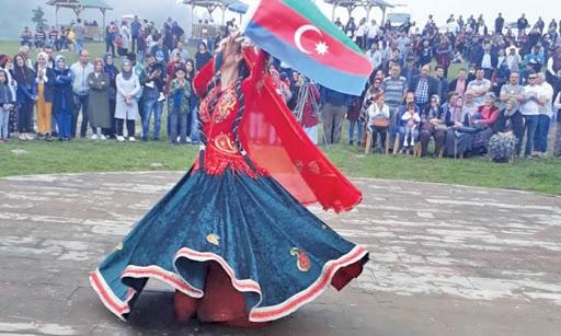 Ansambl beynəlxalq yarışmada uğur qazanıb