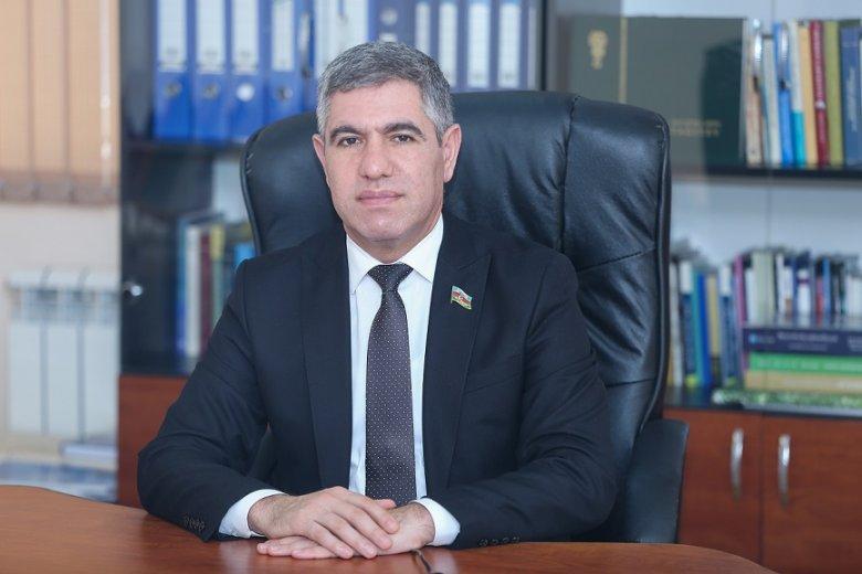 """Vüqar Bayramov: """"Büdcəyə dəyişiklikdə neftin qiyməti 35 dollardan götürülüb"""""""