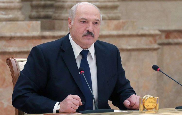 Lukaşenko növbədənkənar prezident seçkiləri ilə bağlı şərtini açıqlayıb