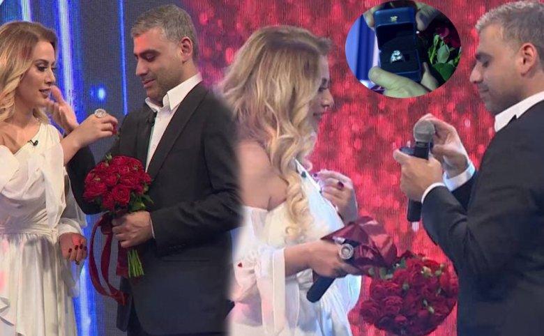 Həmkarı müğənni Roza Zərgərliyə evlilik təklif edib